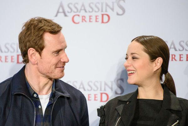 Michael Fassbender Photos Photos - Michael Fassbender (L) and Marion Cotillard attend the 'Assassin's Creed' Berlin Photocall at Cafe Moskau on December 1, 2016 in Berlin, Germany. - 'Assassin's Creed' Berlin Photocall