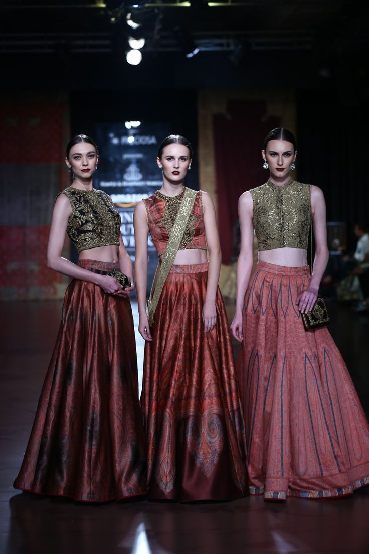 #ICW #AICW #AICW2015 #fdci #sunar #RimpleandHarpreet #bridal #Indian #heritage #royal #mughal #highongold #lehenga #indianwedding #weheartit #elegant #intricate #bridesmaids #red
