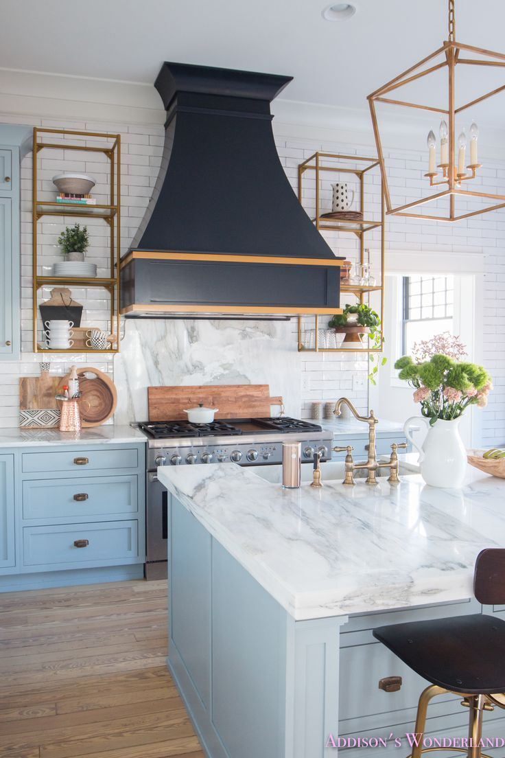 2018 home design trends. Black & white. Mixed metals. Macrame.