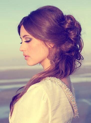 「美女と野獣」ベル風ふんわりトップのハーフアップ♡ ハロウィン用のヘアスタイル。髪型・アレンジ・カットの参考に☆