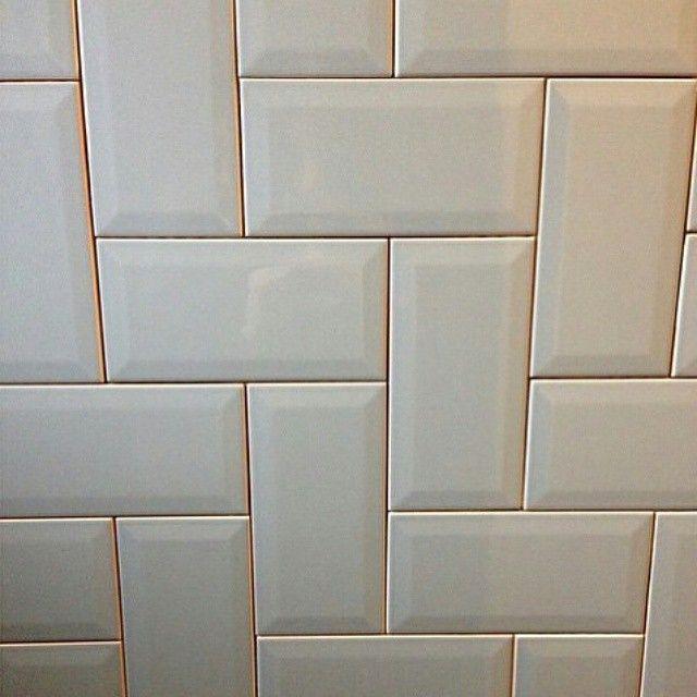 @Regrann from @decortiles -  Mais uma ótima opção de paginação para o nosso subway tile Mind The Gap. A dica é do @studioverta.  #subwaytile #decortiles #tiles #instadecor #Regrann