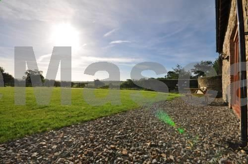 Hastings Barn Bideford Situated 4.1 km from Lundy Island in Bideford, this holiday home features a patio. It provides free private parking. Free WiFi is featured . The kitchen has a dishwasher, an oven and a microwave, as well as a coffee machine and a kettle.