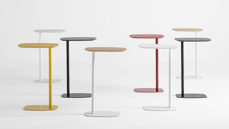 Las mesas auxiliares LAN han sido diseñadaspara funcionar como un práctico accesoriode sofás y sillones. Un elemento donde podertrabajar con el portátil