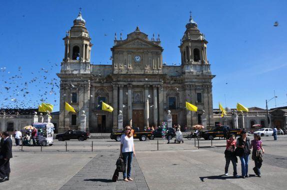 Na Praça Centenário, a Catedral da Cidade da Guatemala, capital do país