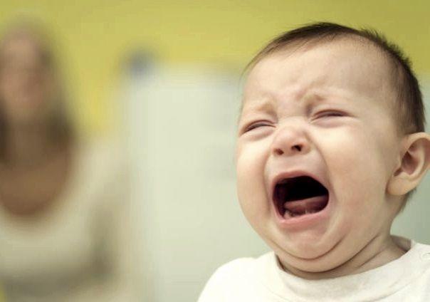 Stiati ca un bebelus pana la cel putin 3 saptamani sau chiar pana cand face 4-5 luni nu plange cu lacrimi?
