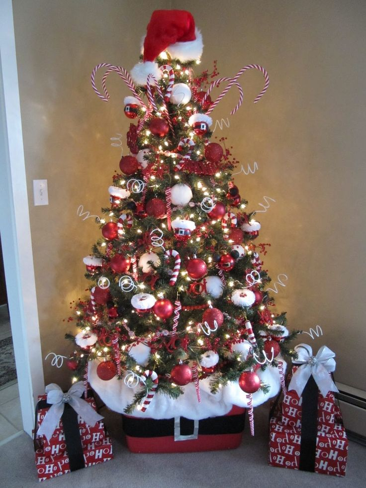 25 unique small christmas trees ideas on pinterest for Small decorated christmas trees