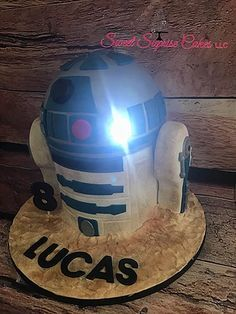 Light Up R2D2 Cake S Star Wars Kids Birthday Sweetsuprisecakes Starwars R2d2 Birthdaycake