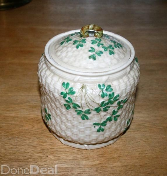 A Belleek Biscuit Barrel with the black 2nd mark dating this item to 1891-1926.Height is 5 inches with a diameter of 6 inches.No chips, cracks, crazing. In perfect condition for the serious Belleek collectorCan deliver anywhere in Ireland for 12.99, or may be collected#xtor=CS1-41-[share]