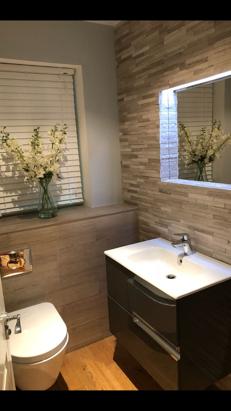 Inredning gästtoalett inspiration : Best 25+ Small toilet room ideas on Pinterest | Toilet room ...