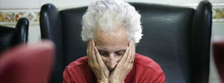 Las víctimas silenciosas en este caso son mayores de 65 años, las que lastra la dependencia afectiva y económica, a las afectadas les cuesta identificar y aceptar su situación y son las que menos denuncian a sus maridos, sus hijos e hijas son a menudo quienes les frenan a llevar el asunto a la Policía y dejar a su pareja