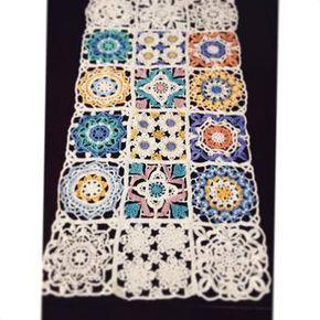 フェリシモの「トルコタイルからインスピレーション ブルーの風を運ぶレース編みの会」を利用すれば、繊細なイスラム模様を編みあげていく楽しさが体感できます。自分で編み出す作業の中で、模様の奥深さに気づかされるはず!