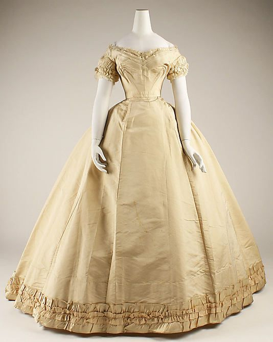 Silk wedding dress with ruched self-trim (front, with short-sleeved bodice), by House of Pingat, French, 1866-68.
