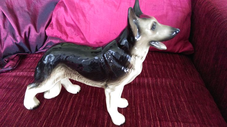 Large German Shepherd Dog Figure...Made in England