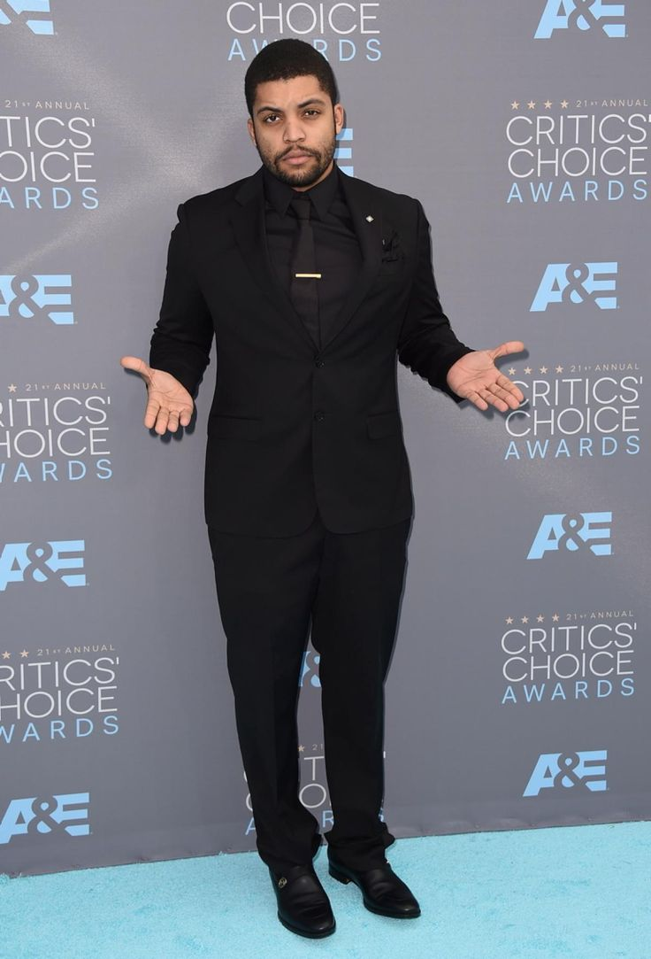 """""""Straight Outta Compton"""" actor O'Shea Jackson Jr. arrived in all-black to the 21st annual Critics' Choice Awards in Santa Monica, California on Jan. 17, 2016."""