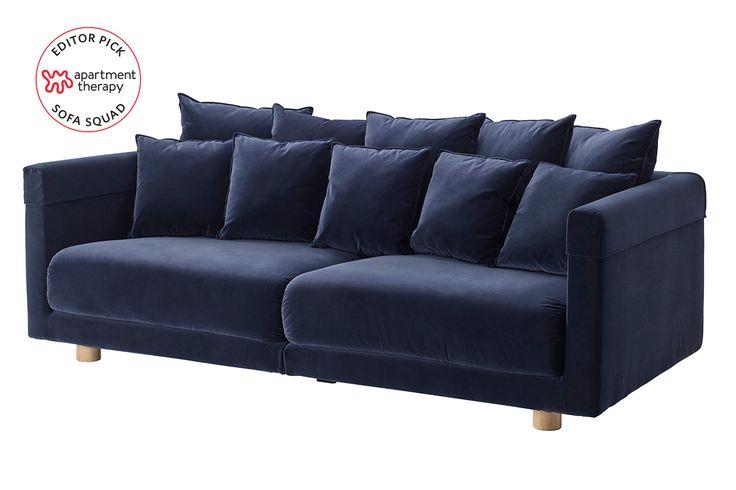 Jaylen Sofa with 2 Throw Pillows