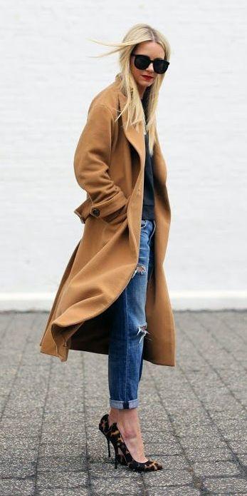 Camel coat, boyfriends jeans and leopard pumps.