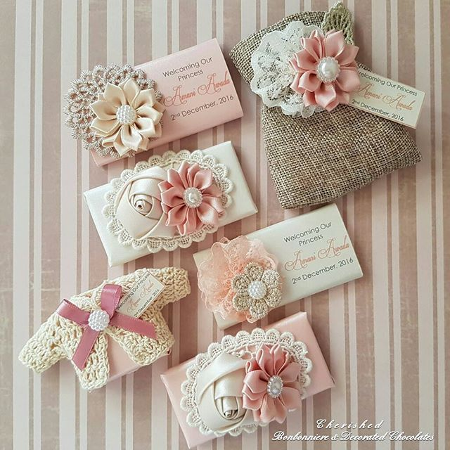 WEBSTA @ cherished_bonbon_chocolates - Welcoming Princess A M A N I  VINTAGE CHIC GLAM collection... This has to be one of my all time favourites for the girls   #signature #designs #exclusive #personalisedchocolates #lindt #chocolate #favors #bonbonnieres #babyfavors #favors  #babychocolates #babyshower #kitchentea #wedding #christening #decoratedletter #baby #flowers #roomdecor #chocolatefavors #vintage #shabbychic #rustic #handmade #candles #encontrandoideias #weddedwonderland #nofilt...