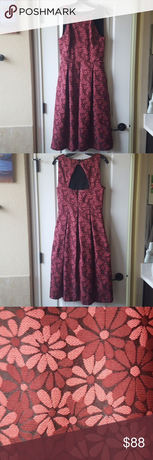 Eva Franco burgundy floral jacquard midi dress BEAUTIFUL DRESS! Worn once to a wedding. Fabric is not heavy but does have some stiffness to it. Color is maroon or burgundy with some black undertones. Has a bit of shine to it with flash photography. No flaws whatsoever. Make an offer! Eva Franco Dresses Midi