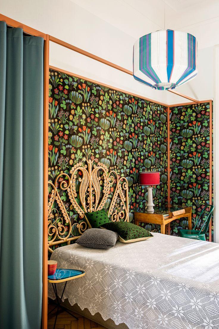Lekfulla färger och dekorativa mönsterbilder. I hjärtat av Milano har arkitekterna Andrea Marcante och Adelaide Testa inrett en lägenhet i en mönster-, och färgvärld utöver det vanliga.