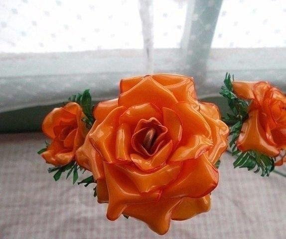 Розы из пластиковых бутылок.