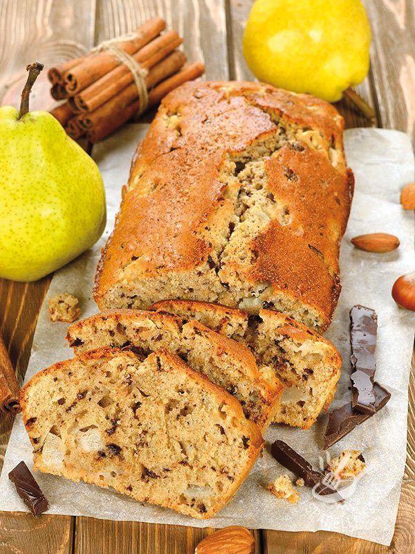 Plumcake con pere, mandorle e cioccolato - Plum cake with pears, almonds and chocolate #pearsplumcake #almondsplumcake #plumcakeallepere