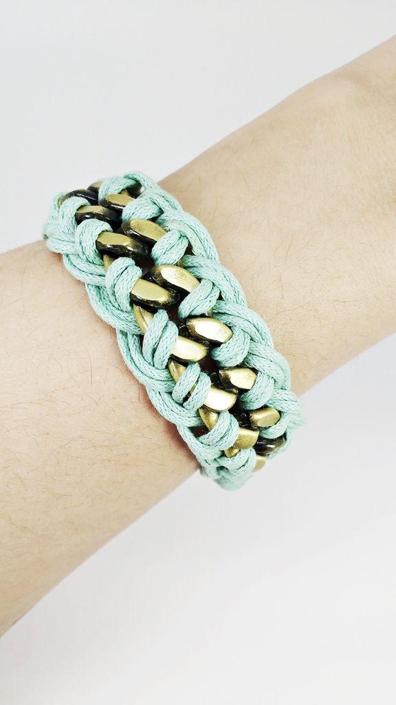 Veja nosso novo produto Bijoux Bracelete / Pulseira Corrente Juliana - Cód. A1053! Se gostar, pode nos ajudar pinando-o em algum de seus painéis :)