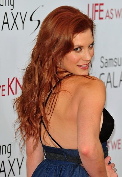 Katee Sackhoff's red, wavy hairstyle - Starbuck is hot with red hair!