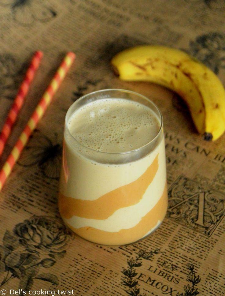 Creamy Peanut Butter and Banana Smoothie Smoothie crémeux banane et beurre de cacahouètes