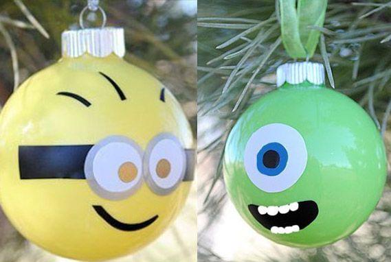 Ideas para hacer bolas de Navidad divertidas para los niños. Puedes reutilizar unas bolas que ya no te gusten y pintarlas encima con los niños para tener unas navidades más alegres. Aquí van algunas ideas de bolas de Navidad de dibujos animados Bolas de navidad de las tortugas ninja
