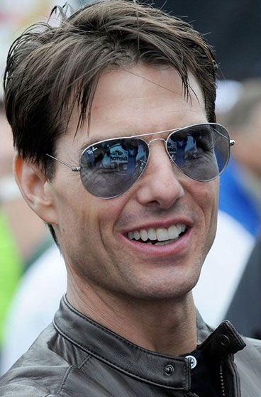 Tom Cruise in Ray Ban Aviator #Sunglasses #Men #Fashion #WomenTriangle www.womentriangle.com