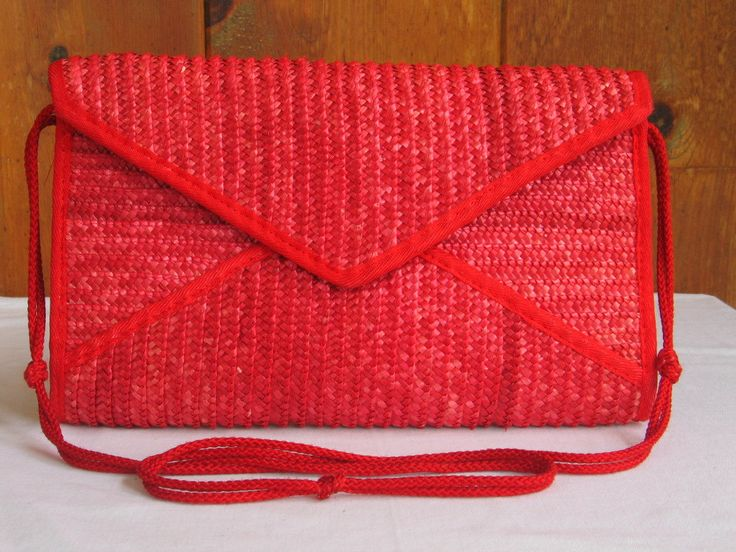 Vintage 1980s  Disco Red Straw Shoulder Bag Clutch Pocketbook 1950s look Red Straw Purse made in Hong Kong  in excellent vintage condition by PinkyLaRoux on Etsy