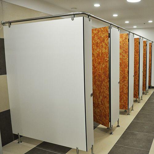 cabinas sanitarias de paneles hpl fundermax fundermax. Black Bedroom Furniture Sets. Home Design Ideas