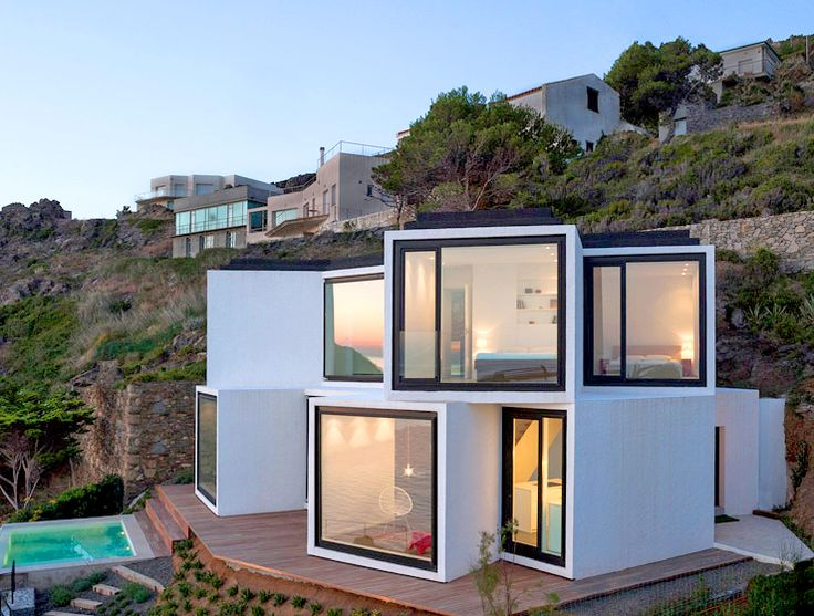 Sunflower House's quirky cube cluster soaks up the Mediterranean sun