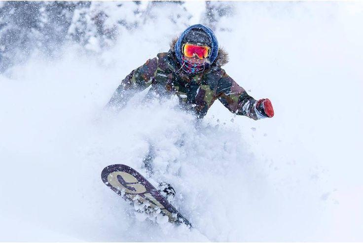 Whitewash! 🌊 *** credit to @stephaniesuefeld  #BrokeNeckFish #HealUpSalmon #powder #skiaddict #nodaysoff #neverendinglovestory  #warmgloves #warmsocks #heatedgloves #heatedsocks #wintersports #gotomountains #mountains #mountainlovers #powdertothepeople #ice #ski #skiing #skating #climbing #playoutside #ice #freeski #health #wildspirit