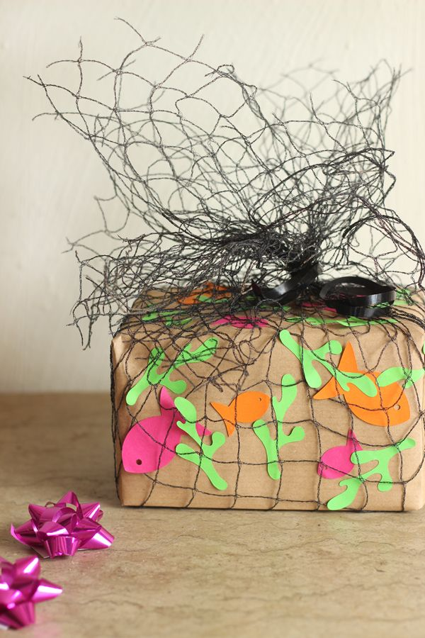5 easy gift wrap ideas for kids presents.