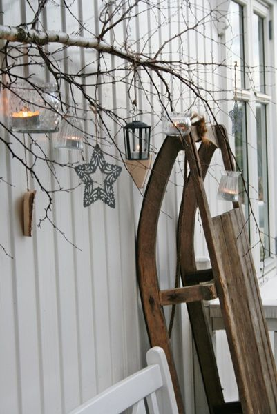 Magical outdoor decorating ideas for the holiday season #indigo #magicalholiday