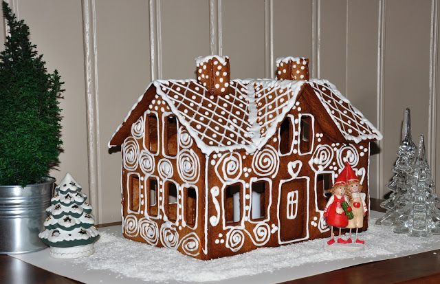 Gingerbread house with template
