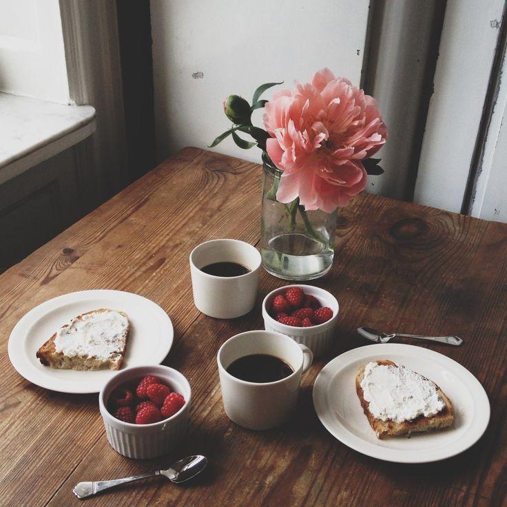 loui-loui: Ricotta breakfast, still-life by @louiselj (iPhone)