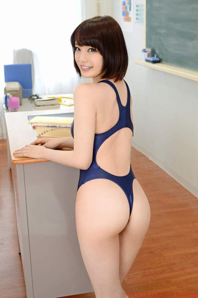 naked ass of a thirty five woman