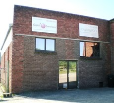 Commercial space to let in Knysna Industrial, 124 square meters at R3900 a month! Call James on 0785523124