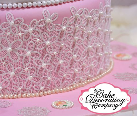 Cake made using Victoriana Cake Lace mat with 3D elements ...
