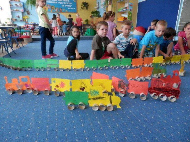 Tsjoeke tsjoeke tuut tuut; de trein komt er aan!