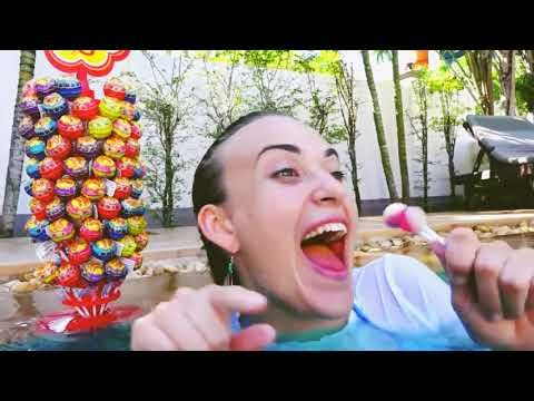 Funny Kids & Pretty Mermaid! Giant Candy for Kids Family Fun