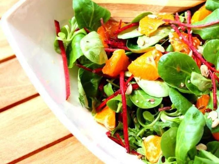 Salade de mâche, betterave et sa vinaigrette