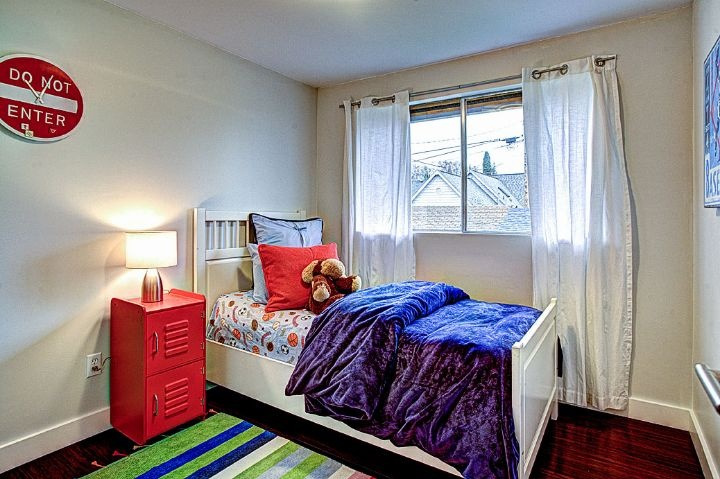 bedroomSplit Level