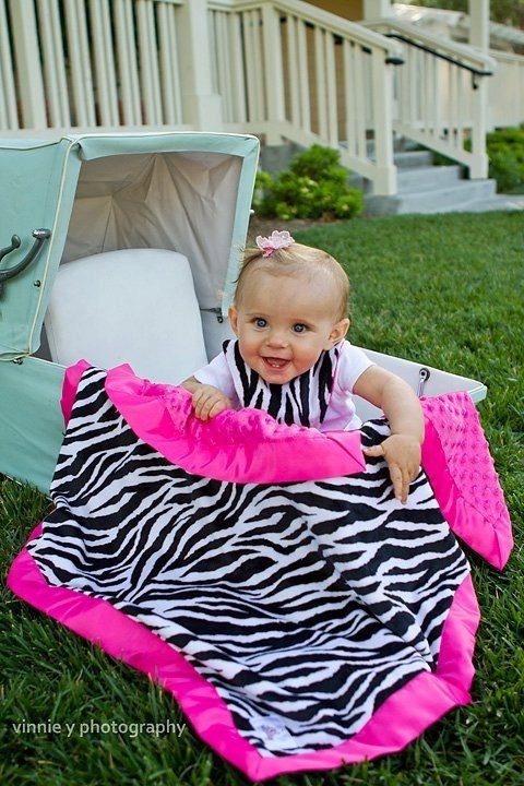 Baby Girl Stroller Blanket  Zebra and Hot pink I want this blanket for my daughter