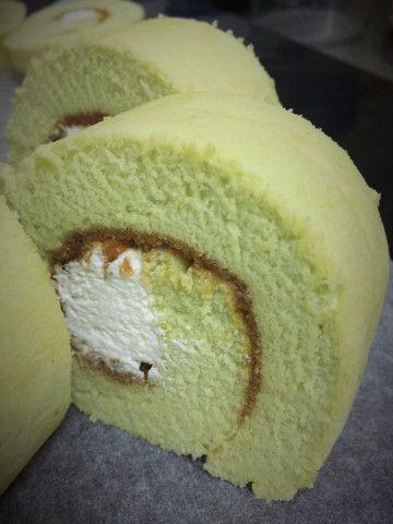 Pandan swissroll with coconut/caramel – Jeannietay's Blog