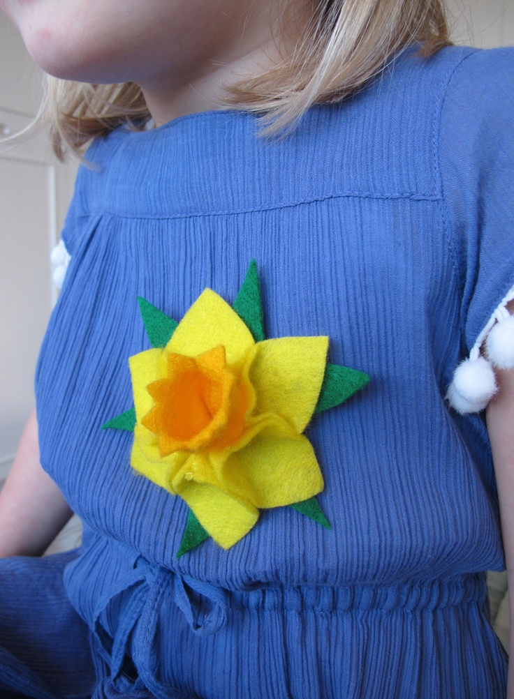 Felt Daffodil Brooch