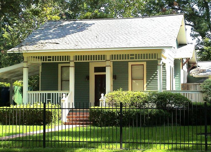 107 best Bungalow Homes and Cottages images on Pinterest Small
