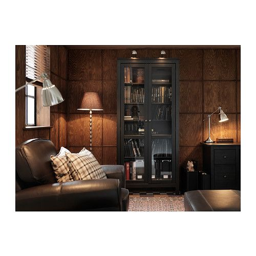 Hemnes vitrinenschrank schwarzbraun ikea hobbyraum pinterest vitrinenschrank for Ikea storage living room furniture